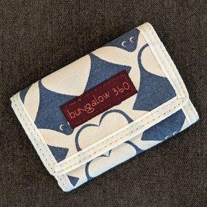 Bungalow 360 Trifold Vegan Wallet Stingray NWOT